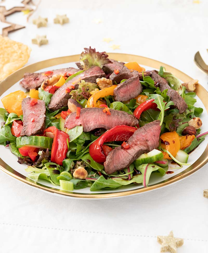 Salade van pittige biefstukreepjes
